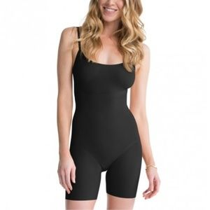 Spanx Thinstincts Adjustable Strap Mid-Thigh Body